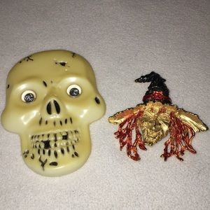 JJ vintage Halloween witch  pin with skull pin